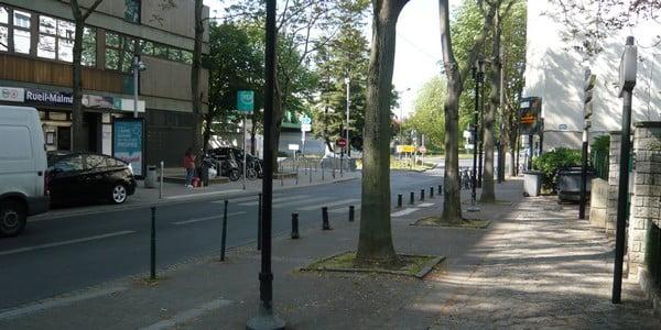 """Accès au cabinet par le RER A, station Rueil-Malmaison, sortie 1 (""""Rue des Deux Gares"""")"""